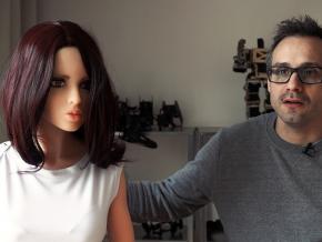 夫妇研发性爱机器人 丈夫计划与其